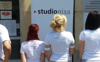 Studio Nixa, izvolite, dobro jutro, koga trebate?